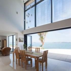 Spectacular Bi-Folding Doors - Weather-Resistance and Durability