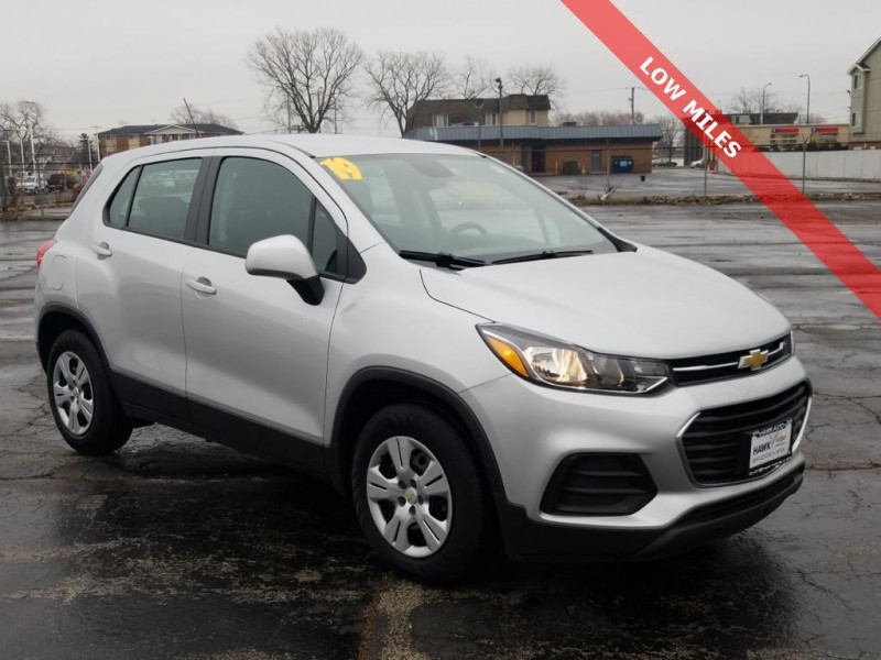 Used  Pre-Owned 2019 Chevrolet Trax LS FWD FWD 4DR