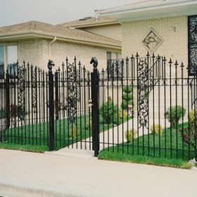 Tips On Fence Cleaning and Maintenance